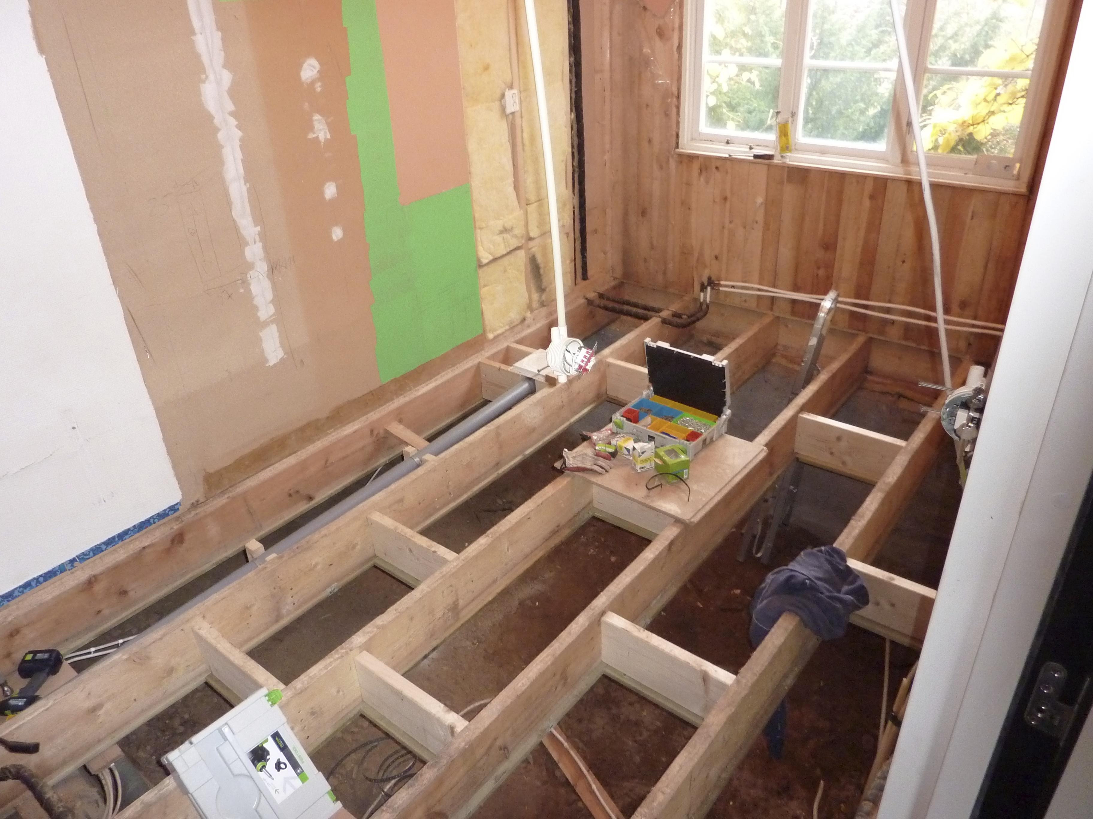 Basta Golvet I Kok Och Hall : Renovering av tvottstuga, hall, kok, och angronsande rum
